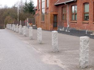 salg af Granit pullert, råkløvet grå granit