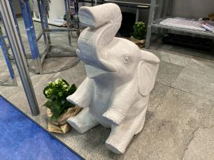 salg af Siddende elefant