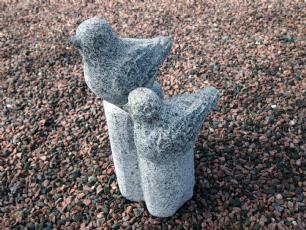 salg af Sten fuglepar på sokkel