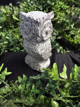 salg af Stenugle i grå granit