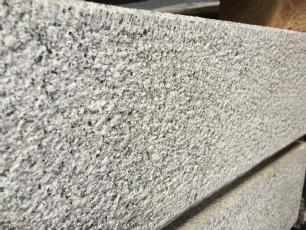 salg af Trappetrin lys grå granit
