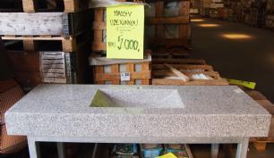 salg af Udekøkken med massiv granit bordplade