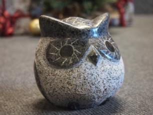 salg af Gråsort, buttet ugle i granit