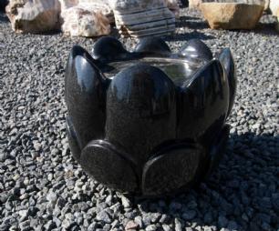 """salg af Vandsten i sort granit """"Blomsterknop"""""""