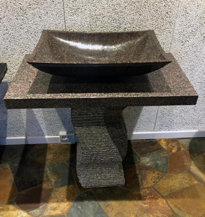 Køb Vaskemiljø i rød granit Sten vask med bord og sokkel ...