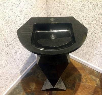 Køb Vaskesøjle i absolut black Sten vask med søjle udført i sort ...